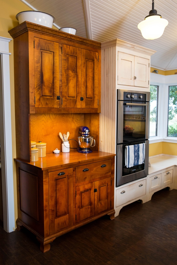 Finishes 187 Mike Beckerink Cabinetry